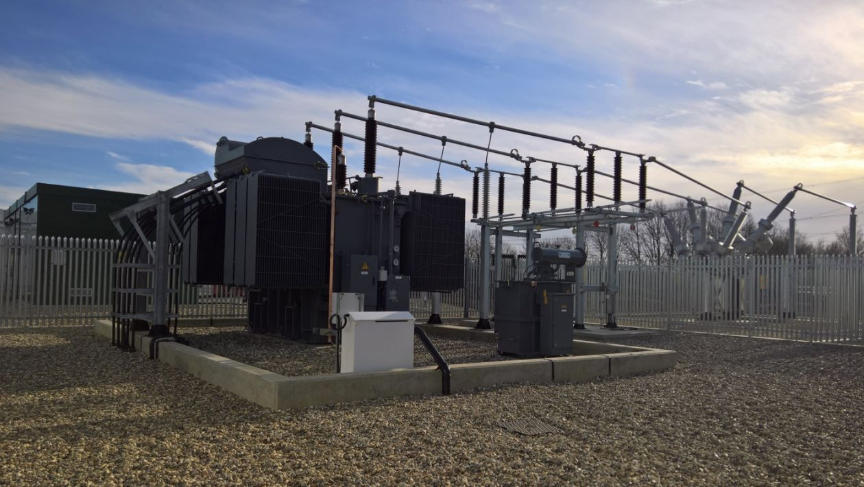 powering-the-uk-largest-battery-storage-facility-1-case-thumb.jpg