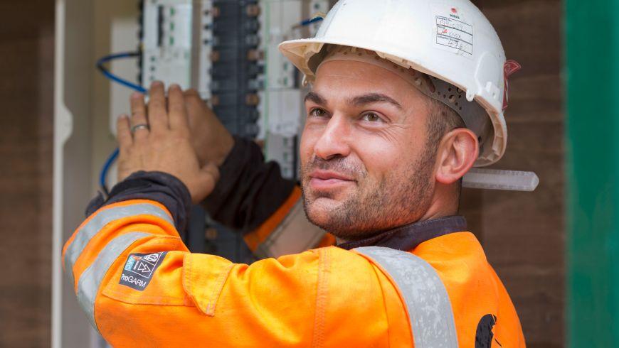 serv-Electrical-maintenance-fault-location-and-repair.jpg